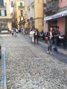 PSY fra le vie di Bellagio