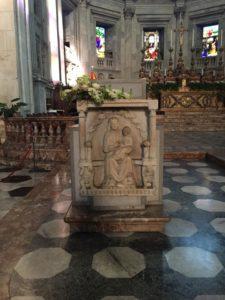 Cattedrale: Ambone Vergine col Bambino
